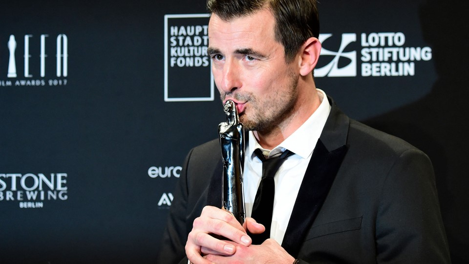 "I begyndelsen af december vandt Claes Bang en European Film Award for sin rolle i den svenske film ""The Square"". Foto: Scanpix/Tobias Schwarz"