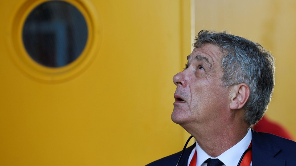 Spain's football federation (RFEF) president Angel Maria Villar looks up as he prepares to walk out through a door before the World Cup 2018 Qualifying match between Spain and Liechtenstein at the Reino de Leon stadium in Leon Foto: Reuters/Eloy Alonso