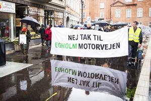 Demonstration: Nej tak til Egholm-linjen