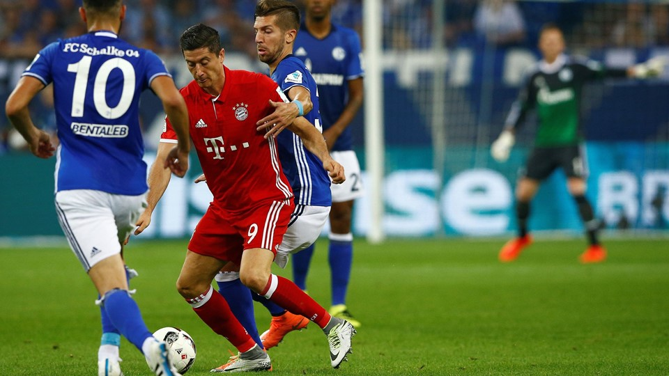 Football Soccer - Schalke 04 v Bayern Munich - German Bundesliga Foto: Reuters/Stringer