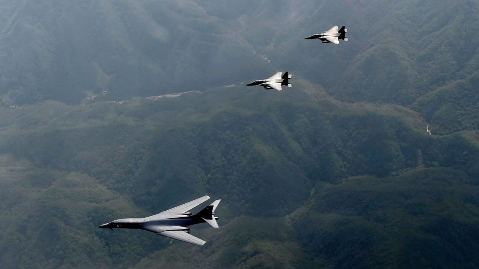 US bomber lands in S. Korea in show of force Foto: Scanpix/Chief Master Sgt. Kyeong Ryul