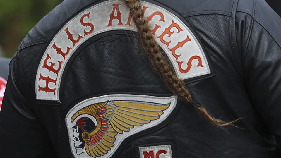 A member of the Hells Angels attends the funeral of a shot Hells Angels in Giessen Foto: Reuters/Kai Pfaffenbach