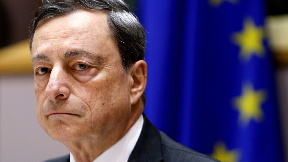 ECB President Draghi waits to address EU Parliament's Economic and Monetary Affairs Committee in Brussels Foto: Reuters/Francois Lenoir