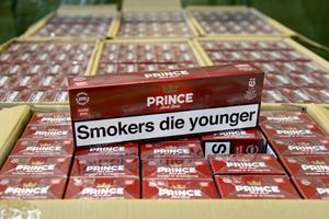 Fire mænd anholdt: Mistænkt for at smugle over en million cigaretter