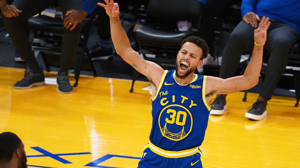 Stephen Curry scorede 38 point i Golden State Warriors' sejr over Los Angeles Clippers.