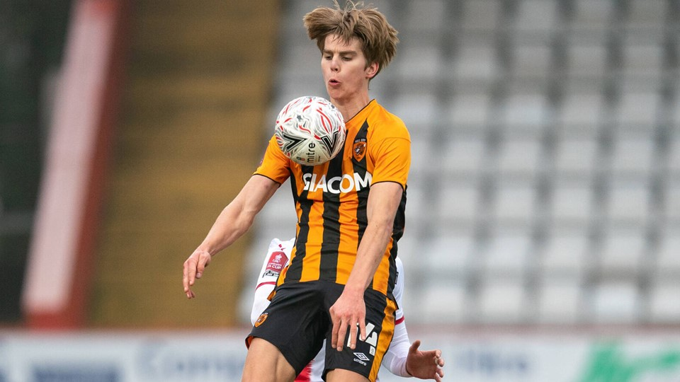 Martin Samuelsen i aktion for Hull i en FA Cup-kamp mod Stevenage i november 2020. Arkivfoto: Andy Rowland/Ritzau Scanpix