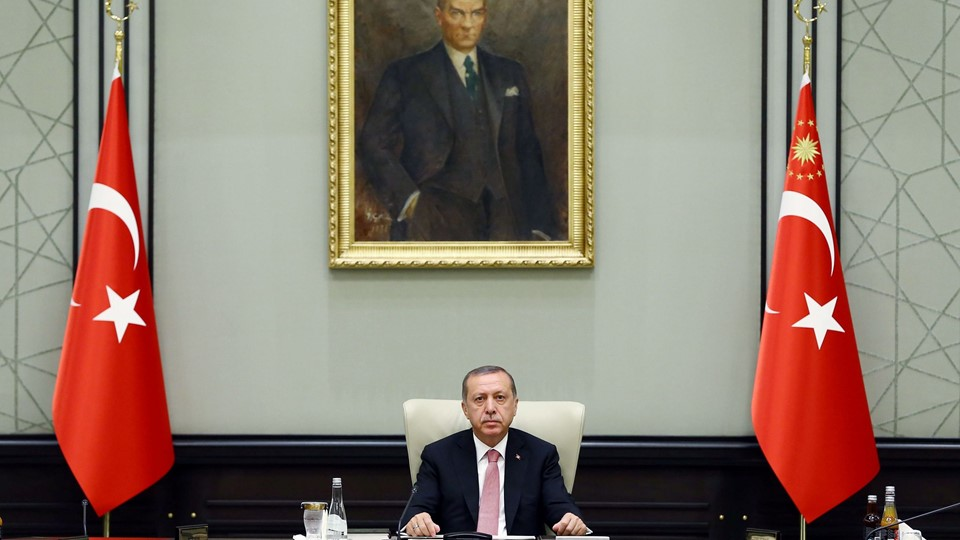Turkish President Erdogan chairs a National Security Council (MGK) meeting at the presidential palace in Ankara Foto: Reuters/Handout