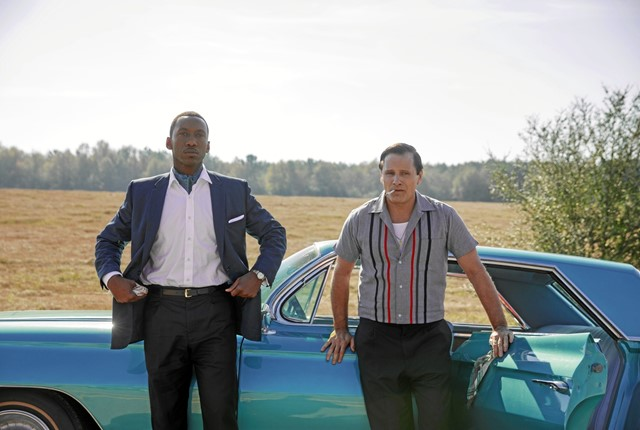 "Viggo Mortensen som ""Tony Lip"" og Mahershala Ali som ""Don Shirley"" i Green Book."