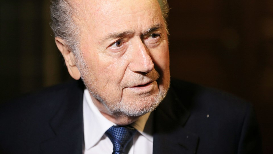 Former FIFA President Sepp Blatter leaves the Court of Arbitration for Sport (CAS) after being heard in the arbitration procedure involving him and FIFA in Lausanne Foto: Reuters/Pierre Albouy
