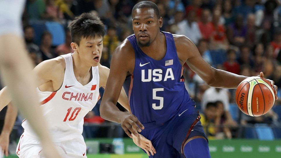 Basketball - Men's Preliminary Round Group A China v USA Foto: Reuters/Jim Young