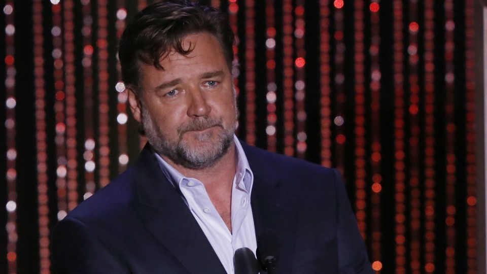 Actor Russell Crowe presents the Hollywood Producer Award at the Hollywood Film Awards in Beverly Hills Foto: Reuters/Mario Anzuoni
