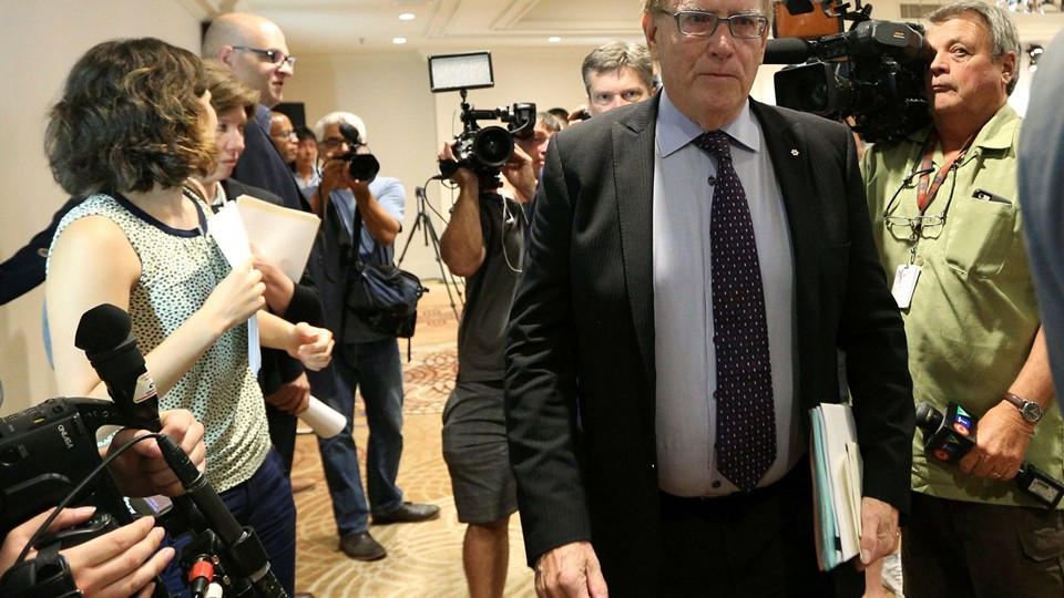 Richard McLaren, who was appointed by the World Anti-Doping Agency to head an independent investigative team, presents his report in Toronto Foto: Reuters/Peter Power